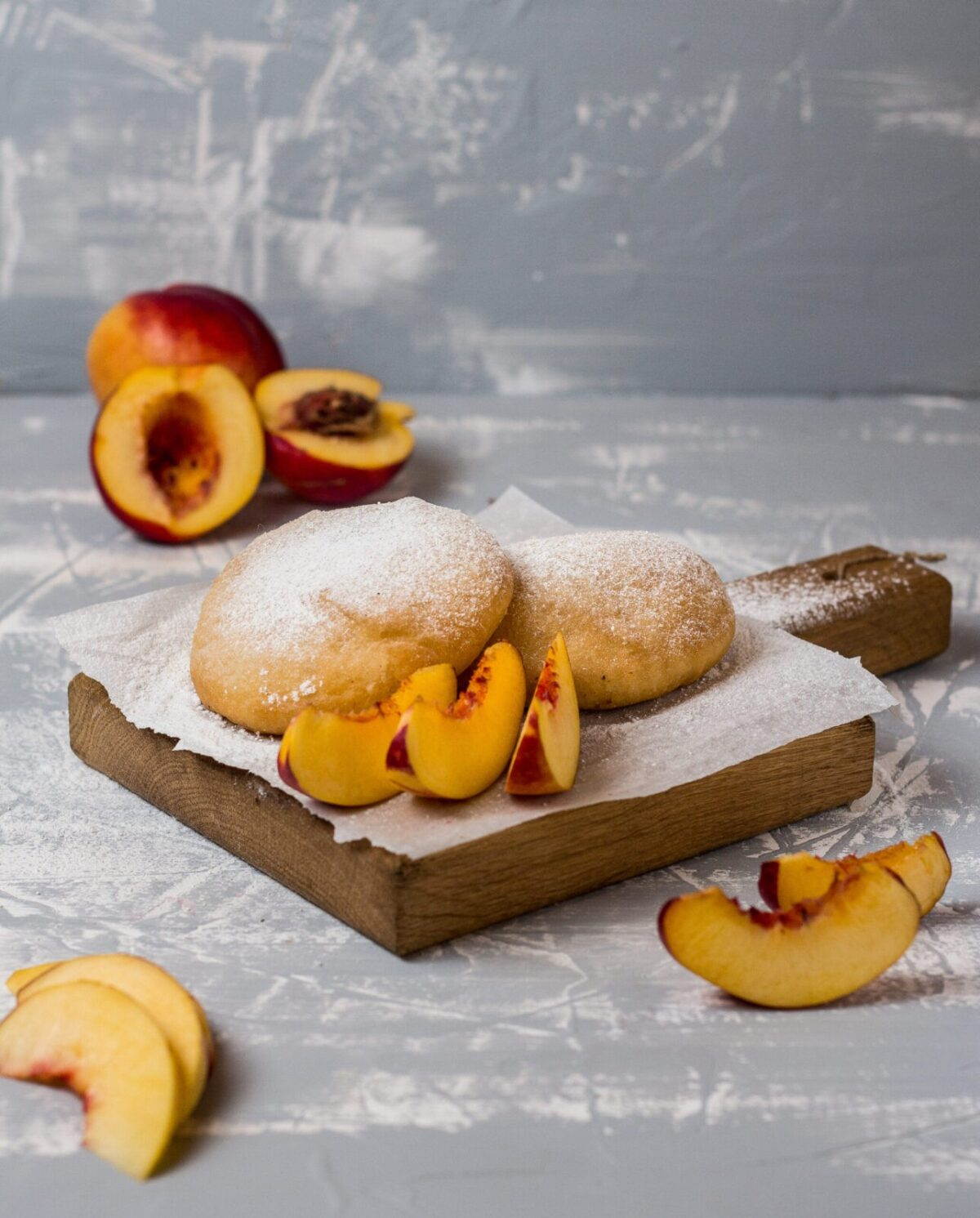 Пончинис персиковым джемом
